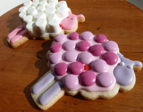 Sweet Dani B decorative sheep cookies for valentines day